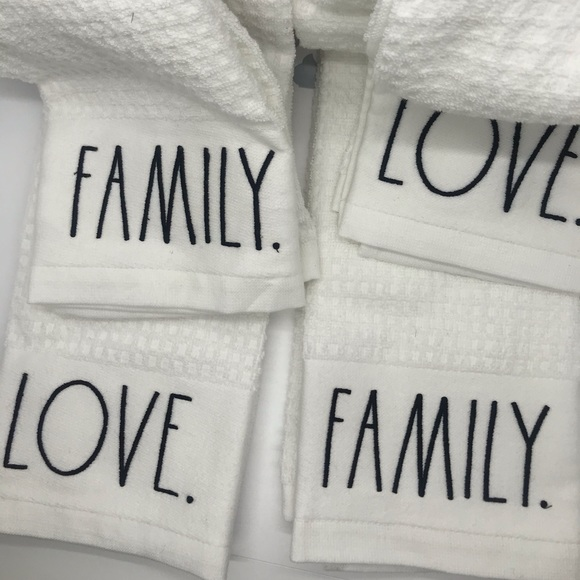 4 Pack of Rae Dunn Kitchen Towels